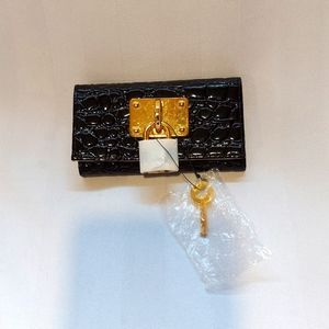 SAKS FIFTH AVE COLLECTION KEY HOLDER NWT!